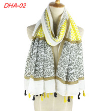 2017 Comfortable fabric high quality fringe scarf long shawl cotton satin printed tassel wrap scarf pashmina head scarf new(China)