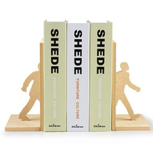 Free Shipping 1Set Novelty Walking Man Bookends The Man Walking Through The Books Wooden Bookends Set Table Decoration Crafts