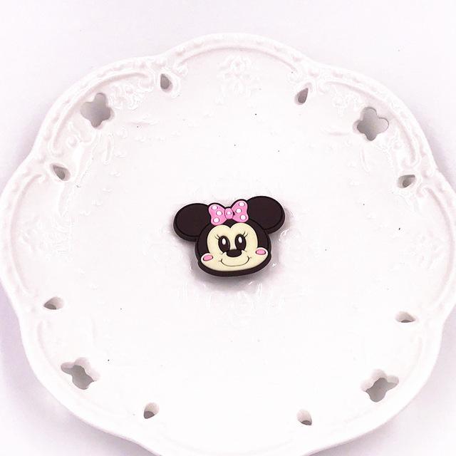 1PCS-Cute-Bear-Dog-Mickey-Minnie-Badges-Pin-Kawaii-Cartoon-Icon-Badges-Buttons-Pins-Badges-Bags.jpg_640x640 (2)