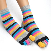1 Pair Novelty Rainbow Colorful Women's Girl Color Stripes Five Finger Toe Socks Breathable Cotton Socks Hot Sale(China)