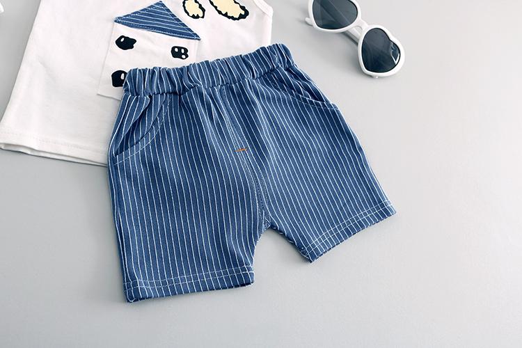 Komplekt lühikeste pükste ja maikaga