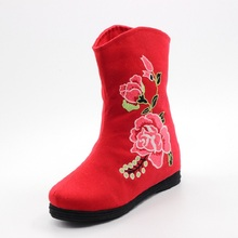2017 Spring and Autumn new old Beijing shoes national wind peony embroidery within the higher female boots(China)