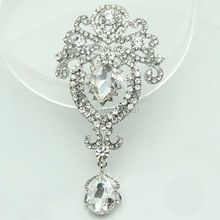 Top Grade Costume Brooch Jewelry Shining Silver Transparent Crystal Flower Rhinestone Brooches for Women On Sale