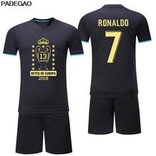 New Customize homens La Tredecima campeones campeões 13 Cristiano Ronaldo  preto diy Camisas De Futebol Uniformes aa76c7d0171fa