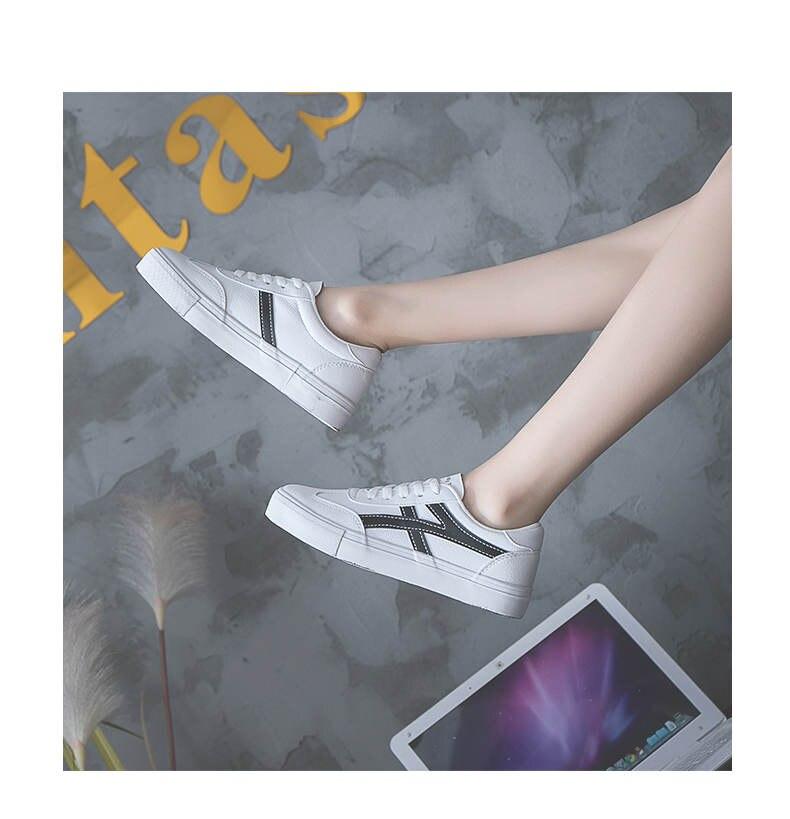 حذاء نساء لون ابيض 26