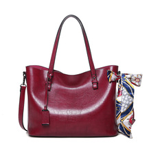 2017 Top Fashion Female Bag Luxury Handbags Women Bags Designer Patent Leather Totes Casual Bucket Oil Wax Large Capacity