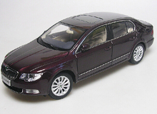 2012 Red 1/18 Skoda SuperB Diecast Model Car Metal Simulation Scale Model Aluminum Die casting Products