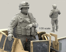 Free Shipping 1/35 Scale Unpainted Resin Figure USMC Soldier For MCTAGS and LAV-25 Turrets (just 1 figure)