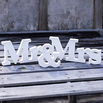 1 Set Solid  Mr & Mrs Wooden Letters for Wedding Decoration Sign Top Table Present Decor Event Party Supplies Home Decor