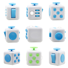 3.3cm Mini Fidget Cube Vinyl Desk Finger Toy Squeeze Fun Stress Reliever 7 Colour Click Glide Flip Spin Breathe Roll With Box