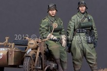 Scale Models 1/35 WW2 German motorcycle crew WWII Resin Model Free Shipping(China)