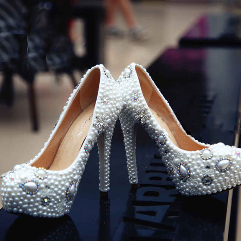 Handmade Nice White Imitation Pearl Woman Wedding Dress Shoes Woman Bridal Shoes Lady Crystal Party Prom Shoes<br><br>Aliexpress