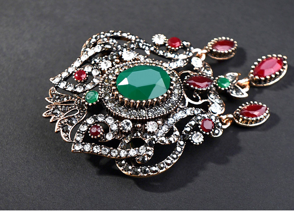 green-and-red-vintage-brooch-with-pandent_03