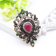 Arab Women Resin Peacock Brooch Pin Turkish Flower Brooches Broches Antique Gold Color Vintage Jewelry lady Lapel Hijab Pin