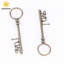 LOVE Wedding Gifts bronze retro keys Pendant Home decoration products Shooting tool accessories free shipping