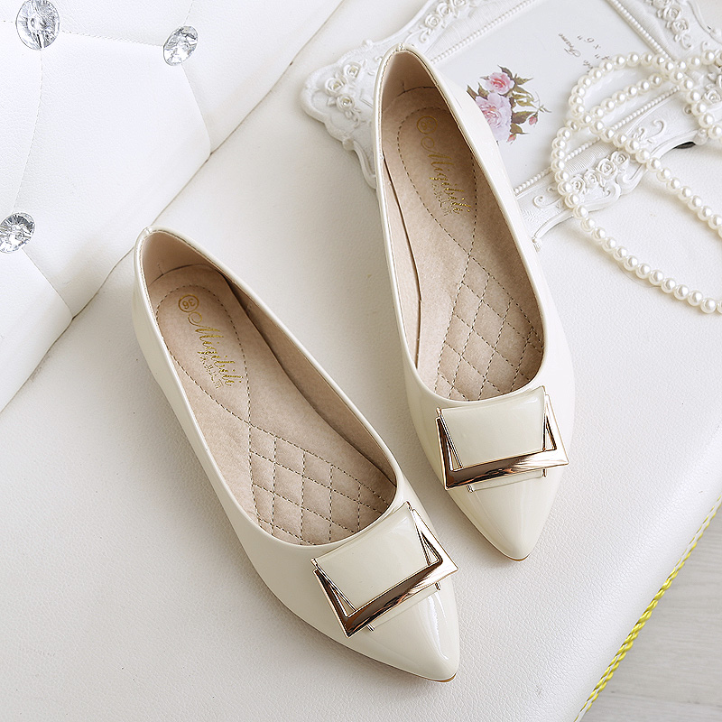 Plus Size 4 -43 Flat Shoes Women 2017 Spring And Autumn Small Size 33 Shallow Female Flats Pointed Toe Buckle Chaussures Femme<br><br>Aliexpress
