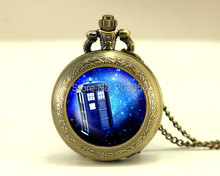 antique new movie Doctor Who tardis Pocket Watches quartz Necklace,1pcs Police Box in Space, pendant Glass Locket steampunk mens(China)