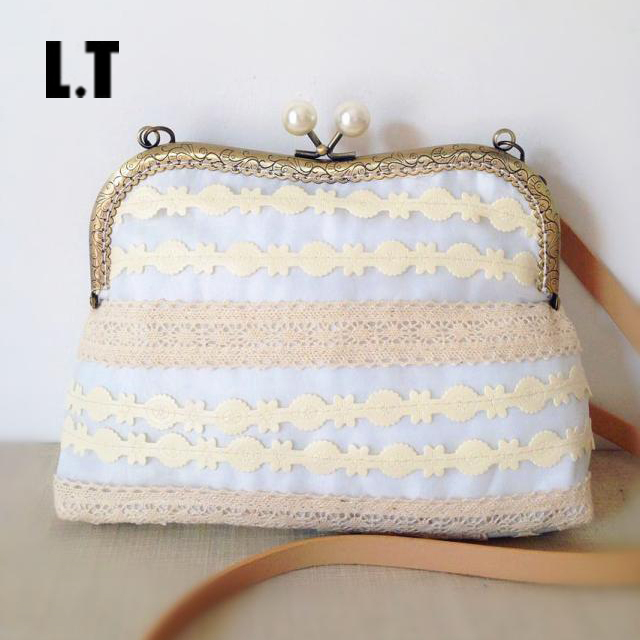 2017 Women Shabby Chic Lace Shoulder Bag Handmade Vintage Retro Victorian Style Pearl Wedding Cotton Frame Funky Kiss Lock Bag<br><br>Aliexpress