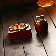 New Creative Fashion European Red Wooden Ashtray Ornaments With Creative Lighter(China)