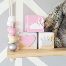 1 PCS Wooden Box Swan Crown Love Decoration Toys Decorative Toys Children 's Props Decoration Crafts Figurines Miniatures