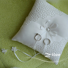 1pcs/lot Hollow flower petals Ring pillow Square pale white Ring pillow for church wedding decoration proposal supply