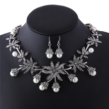2017 Ethnic Silver Flower Cubic Zircon Luxury Choker Design Simulated Pearl Clavicle Chain Wholesale For Women Jewellery