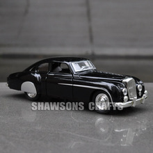 1:28 DIECAST MODEL TOYS VINTAGE CARS PULL BACK BENTLEY R TYPE SOUND & LIGHT(China)
