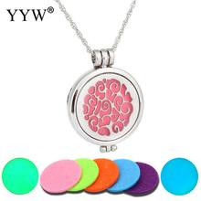 2017 Dark Luminous Perfume Locket Necklace Aroma Pendant Aromatherapy Essential Oil Diffuser Trendy Glow in the Dark Necklaces(China)