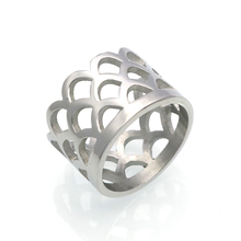 Hot Fashion Hollow Out Rings Stainless Steel Gold Silver Color Jewelry Fish Scale Party Wedding  Rings For Women