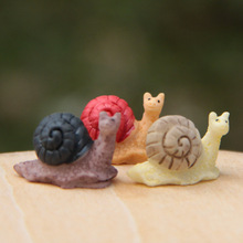 2Pcs Colorful Mini Snail Fairy Garden Miniatures Gnome Moss Terrariums Resin Crafts Decoration Accessories For Home DIY