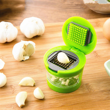 Hot Selling Practical Garlic Chopper Plastic Stainless Steel Garlic Press Multi Functional Ginger Mashing Machine Kitchen Tools