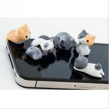 1Pcs New Fashion Super Cute Dust Plug Lucky Cat 3.5mm Anti Dust Earphone Jack Plug Stopper Cap Bar Phone for iPhone 4s 5 6 Style(China)