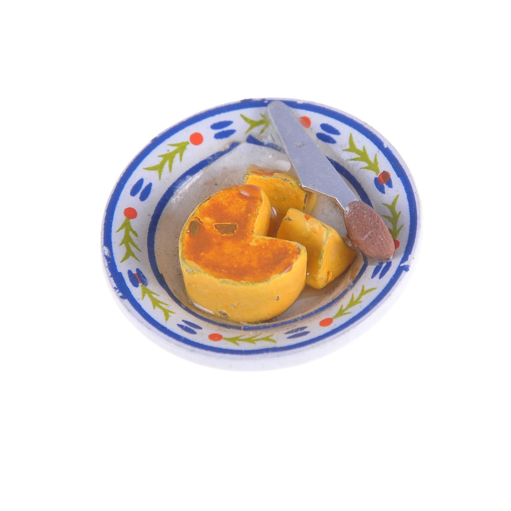 Pretend Play 1:12 Dollhouse Miniatures Food Cheese Cake On Porcelain Plate Table Decor Classic Pretend Play Kitchen Toys Gifts Presents 3.3cm