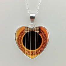 2015 New Girls Glass Cabochon Necklace Guitar Sound Hole Pendant Music Necklace Silver Heart Shaped Necklaces HZ3