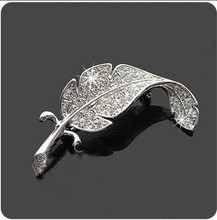 OneckOha Rhinestone Leaf Brooches Unisex Alloy Garment Accessories Brooch Pin(China)