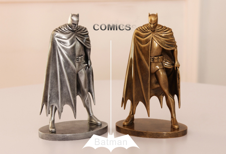 Hot  DC Super Hero Batman Hand Statue Resin Action Fgirue With Painting H 19.5CM<br>