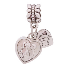 Wholesale Metal Antique Silver Boy Kiss Girl with Love Heart Pendant Beads Fit Pandora Diy Bracelets & Bangles Cute Jewelry