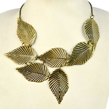 Antique gold iron leaves plate charms necklace antique brass finished choker necklace .NL-1793(China)