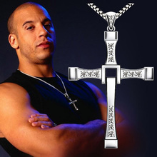 2017 High Quality The Fast and the Furious Celebrity Vin Diesel Item Crystal Jesus Cross Pendant Necklace for Men Gift Jewelry