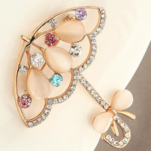 The umbrella brooches New pin high quality clothing diamond brooch badges(China)