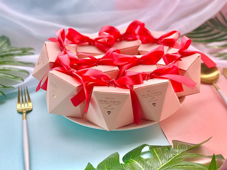 New PinkRedBule Diamond Shape Baby Shower Candy Boxes Wedding Favors and Gifts Boxes Birthday Party Decoration for Guests (8)
