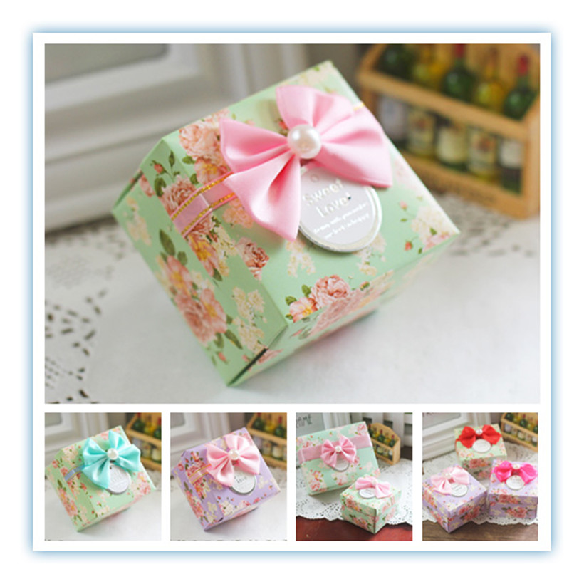 50pcs/lot full flower candy box as wedding favor box holiday supplies 6.*6.*4.cm with bow and cards(China (Mainland))