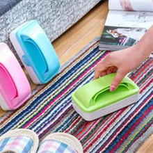 1 X Double Roller Electrostatic Bed Brush Colorful Crumb Collector Dust Fluff Pet Hair Remover Double Roller Brush(China)