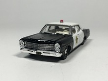 Greenlight 1:64 1967 Ford Custom Diecast car model (black)