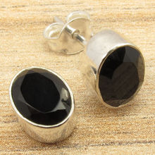 Oval Cut BLACK ONYX Gemset SIMPLE CUTE Stud Earrings Silver Plated DELICATE Gift