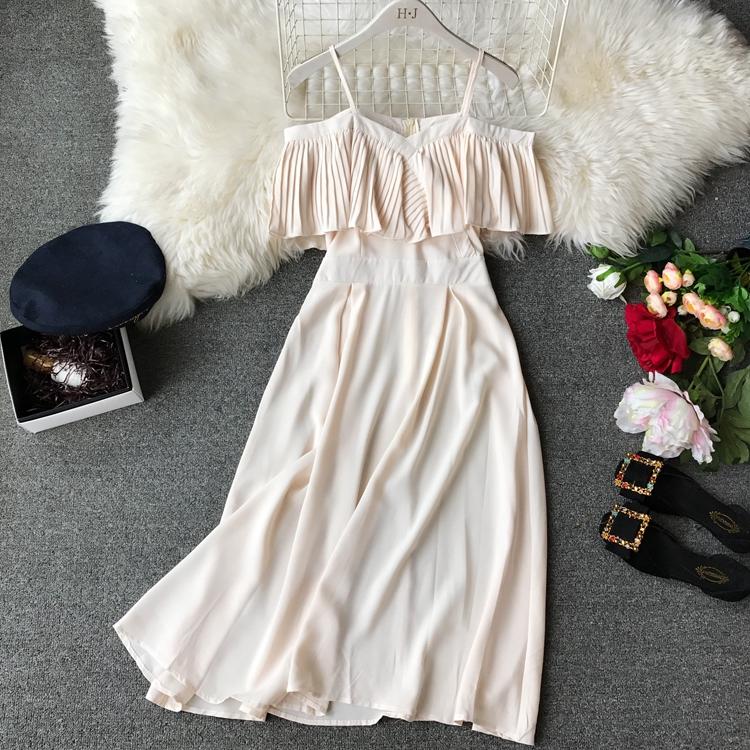 2019 Spring Women Chiffon Pleated Braces Sling Spaghetti Strap Goffer Long Dress Ladies Ruffles Empire Drapped Swing Slip Dress 194