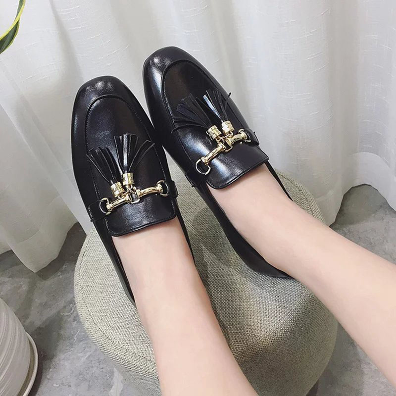 2017 Spring Autumn Flat shoes Women Loafers shoes Square-toe Add metal decoration Korean style Black and Green colors<br><br>Aliexpress