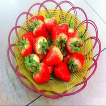 10pcs New 45mm Plastic Artificial Fruit Model Fake Strawberry For Home Party Wedding Car Decoration DIY Scrapbooking Decorative