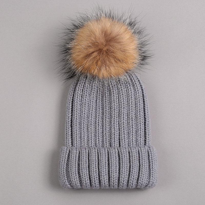 kid hat with fur pompom grey 1