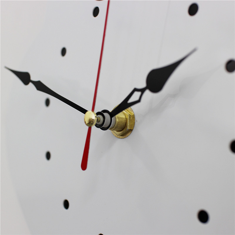M-Sparkling-creative-mute-wall-clock-cartoon-Torn-Tail-Cat-Wall-Clock-digital-acrylic-wall-decoration (1)